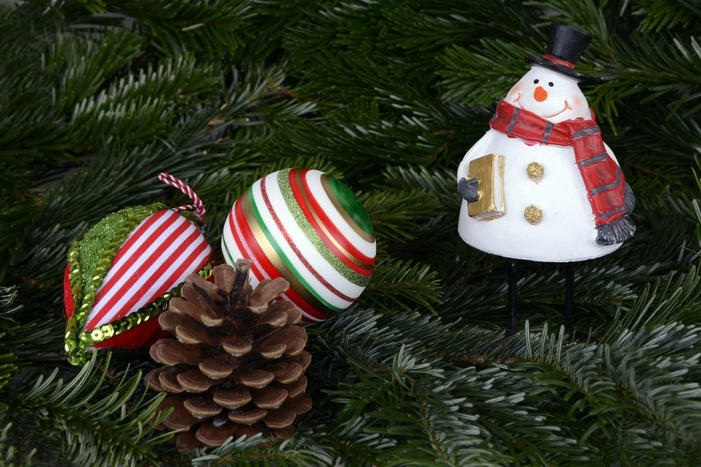Snowman Ornaments on Tree
